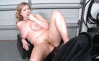 Chubby blonde Victoria Tyler loves fingering her horny cunt